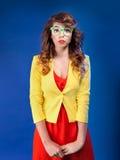 Zdziwiona nerdy dziewczyna obrazy royalty free