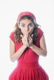 Zdziwiona pinup dziewczyna w czerwieni Zdjęcia Stock