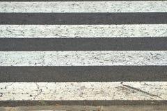 Zebrastreifen in Grauem und in weißem in der Nahaufnahme lizenzfreie stockfotos