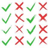 Zeckensatz des roten Kreuzes und des Grüns Ja und keine Ikonen für Website und Anwendungen Rechte und falsche Zeichen lokalisiert Lizenzfreie Stockfotos