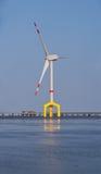 Zee windturbine Royalty-vrije Stock Afbeeldingen