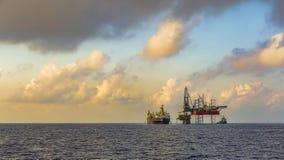 Zeeboringsinstallatie en FPSO-schipfotografie royalty-vrije stock afbeelding