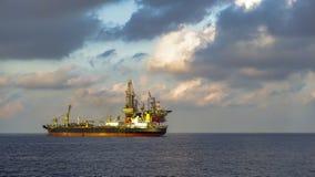 Zeeboringsinstallatie en FPSO-schipfotografie royalty-vrije stock foto's