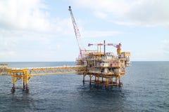 Zeebouwplatform voor productieolie en gas, Olie en gas de industrie Stock Foto