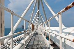 Zeebrug met het pijpwerk Royalty-vrije Stock Fotografie