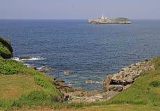 Zeegezicht bij kust van Spaanse stad Santander Royalty-vrije Stock Afbeelding