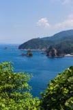 Zeegezicht en kustlijn in Jusambutsu-park, Amakusa, Kumamoto royalty-vrije stock foto's