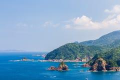 Zeegezicht en kustlijn in Jusambutsu-park, Amakusa, Kumamoto royalty-vrije stock foto