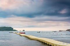 Zeegezicht en onweerswolken in Montenegro, Europa Royalty-vrije Stock Afbeeldingen