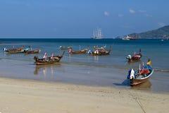 Zeegezicht in phuket zuidelijk Thailand stock afbeelding