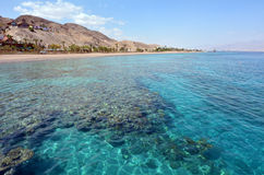 Zeegezicht van Coral Beach Nature Reserve in Eilat, Israël Stock Foto's