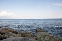 Zeegezicht van de kust stock foto's