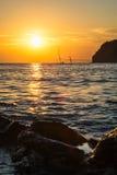 Zeegezicht in zonsondergangtijd op de Zwarte Zee Stock Afbeeldingen