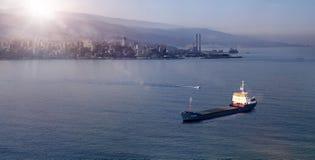 Zeegezichtzonsopgang in Jounieh, Libanon stock foto's