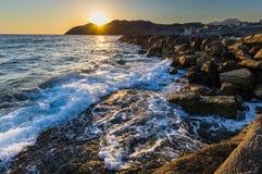 Zeegezichtzonsopgang Kreta, Griekenland Royalty-vrije Stock Afbeelding