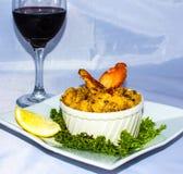Zeekreeftmacaroni met Wijn stock foto
