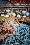 Zeekreeftvallen, vlotters en kabel Stock Foto