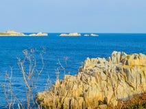 Zeekust en mening van de golf op het Guernsey-Eiland stock foto's