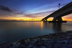 Zeelandbrug遇见了长的曝光,有长的曝光的西兰省桥梁 库存照片