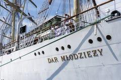 Zeelieden op het Poolse opleidingsschip Dar Mlodziezy Royalty-vrije Stock Fotografie