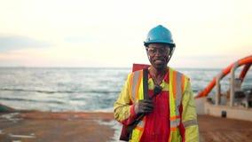 Zeeman ab of Bosun op dek van schip of schip stock footage