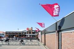 Zeemansdolksupermarkt in Katwijk aan Zee, Nederland stock afbeelding