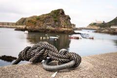 Zeemansknoop in een vissershaven royalty-vrije stock foto
