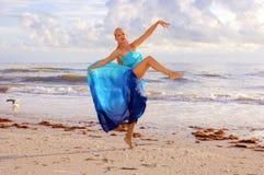 Zeemeeuw en danser Stock Fotografie