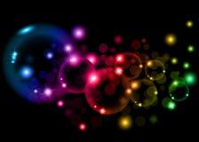 Zeep kleurrijke bellen op zwarte achtergrond Stock Afbeelding