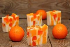 Zeep met sinaasappelen Stock Afbeelding