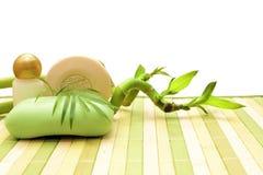 Zeep, schoonheidsmiddelen en bamboe Royalty-vrije Stock Afbeelding