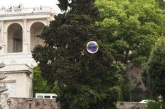Zeepbel in het centrum van Rome stock afbeeldingen