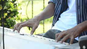 Zeer belangrijke raad van het spel de Elektronische muzikale instrument