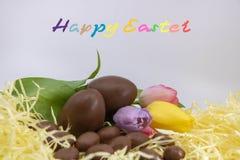 Zeer kleurrijke tekst in Engelse Gelukkige Pasen, voor grafisch middel Pasen royalty-vrije stock foto's