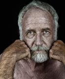Zeer knap Bejaarde op Zwarte Royalty-vrije Stock Fotografie