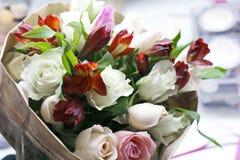 Zeer mooi boeket van bloemen Royalty-vrije Stock Afbeeldingen