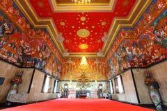 Zeer mooie belangrijkste Boedha met mural verf Stock Fotografie