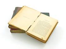 Zeer oud geopend boek Stock Afbeelding