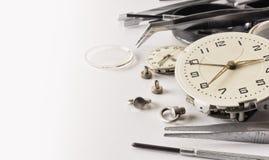 Zeer oud horloge tijdens reparatie royalty-vrije stock foto