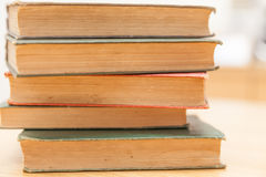 Zeer oude boeken Stock Afbeeldingen