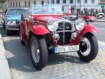Zeer oude rode cabriolet Stock Fotografie