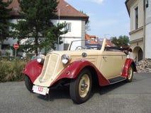 Zeer oude Tsjechische cabriolet, Tatra T75 Stock Fotografie