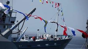 Zeesignaalvlaggen stock video