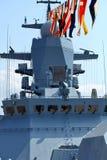 Zeevlaggen op een oorlogsschip Stock Fotografie