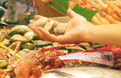 Zeevruchten in de markt Royalty-vrije Stock Afbeelding