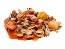 Zeevruchten die met kruiden worden gebraden Royalty-vrije Stock Afbeeldingen