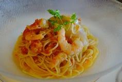 Zeevruchtenspaghetti voor lunch stock foto's