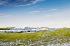 Zeewaterachtergrond en blauwe hemel Stock Fotografie