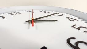 Zegar lub czasu abstrakta tło bielu zegar z czerwienią i blac Fotografia Stock