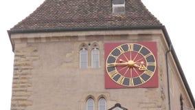 Zegar na budynek fasadzie zbiory wideo